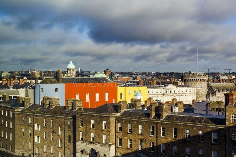 Detalle de una visión panorámica sobre centro de ciudad de Dublín foto de archivo