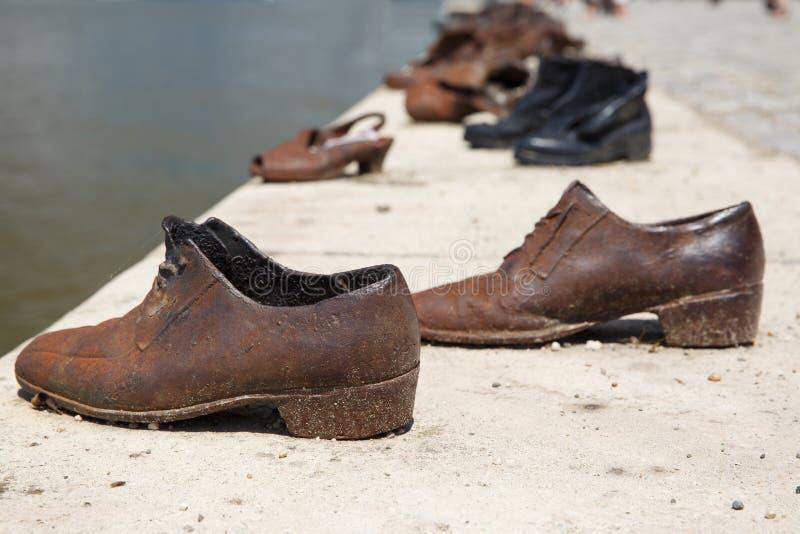 Detalle de zapatos en el Danubio, en Budapest, Hungría fotografía de archivo libre de regalías