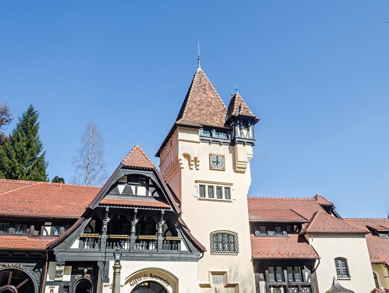 Detalle del ámbito de la tierra el castillo Peles, poseer por Regele Mihai (rey Michael) de Rumania, ahora trabajos como museo Si fotografía de archivo