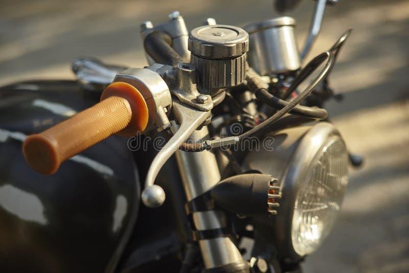 Detalle del acelerador de una motocicleta del vintage fotografía de archivo libre de regalías