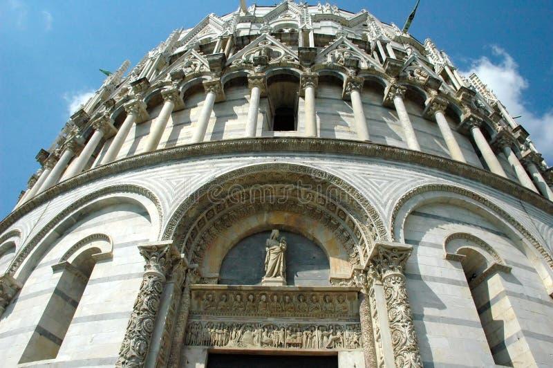 Detalle del baptisterio - PISA imagenes de archivo