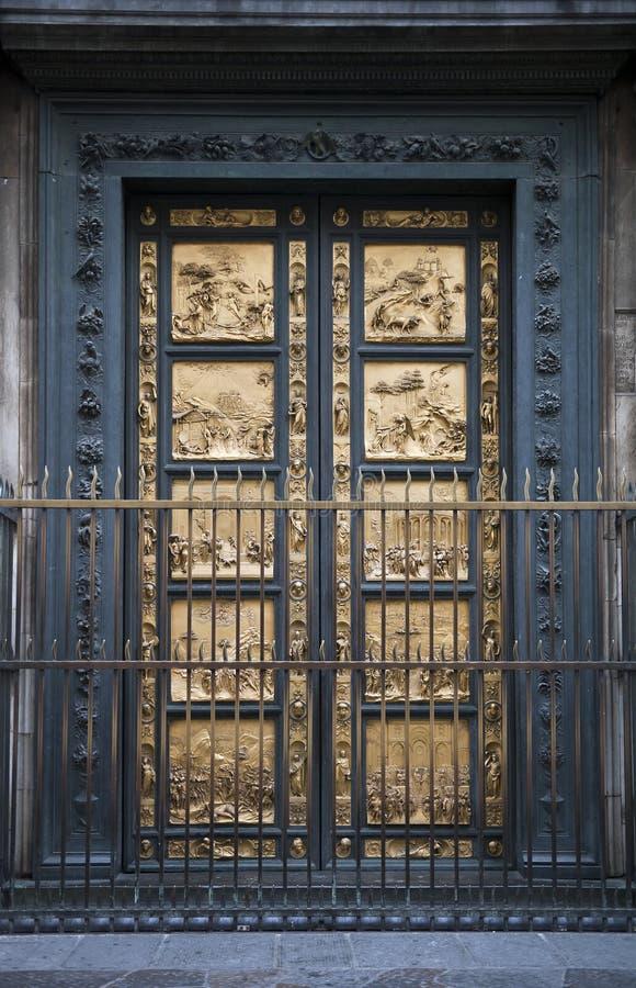 Detalle del Baptistry de Florencia de puertas imágenes de archivo libres de regalías
