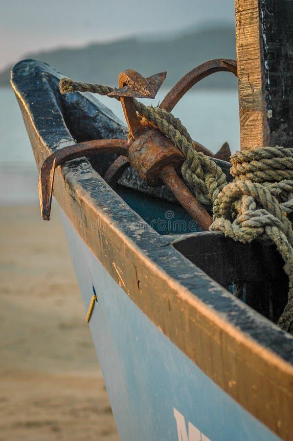 Detalle del barco y del ancla fotos de archivo