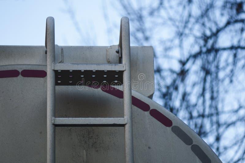 Detalle del camión de petrolero del combustible imagen de archivo libre de regalías