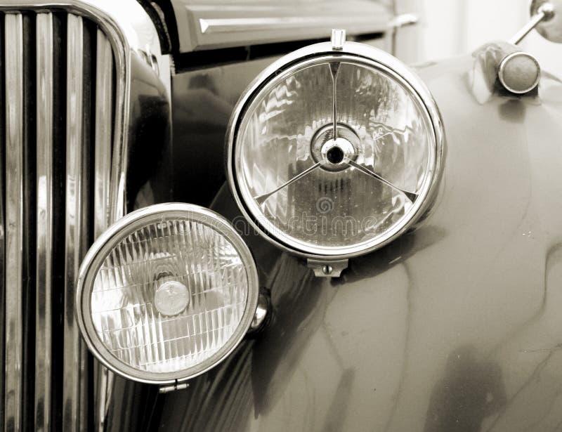 Detalle del coche de la vendimia. Sepia imagenes de archivo