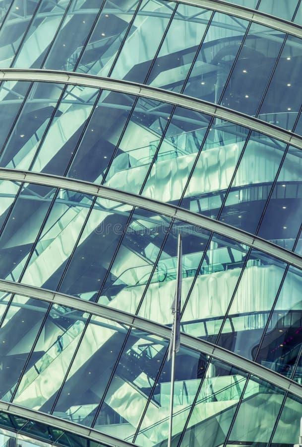 Detalle del exterior del edificio moderno imágenes de archivo libres de regalías
