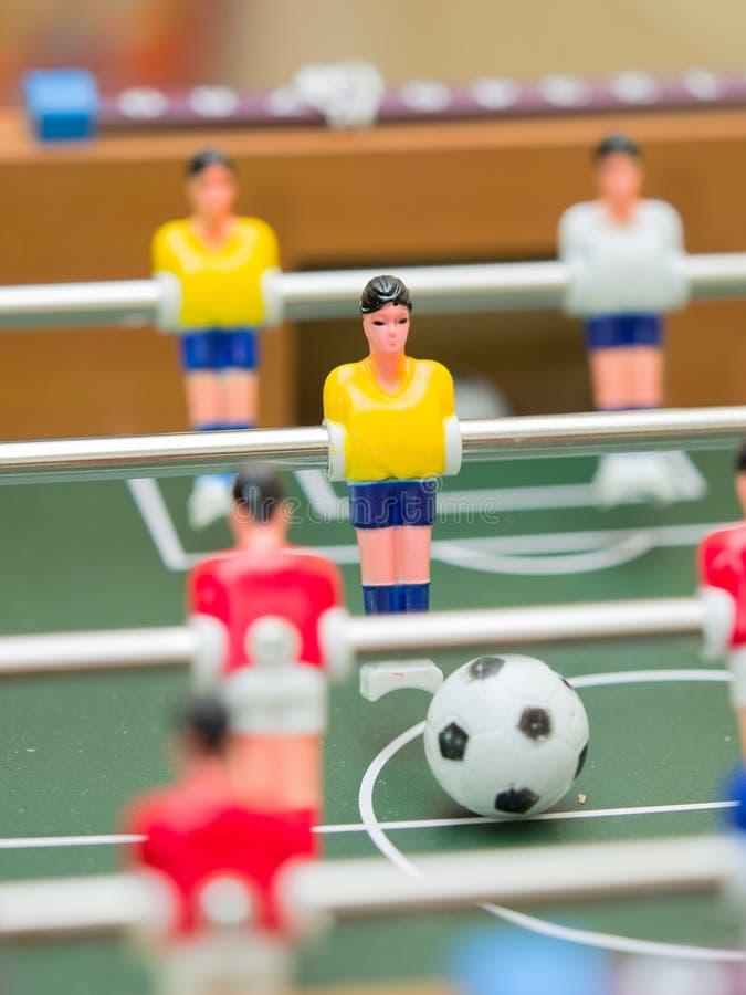Detalle del fútbol de la tabla de las estatuillas coloridas del jugador fotografía de archivo libre de regalías
