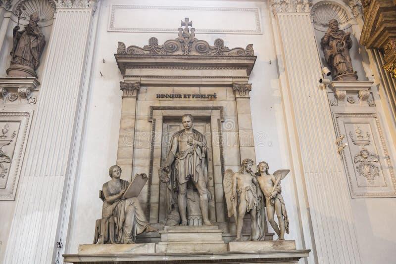 Detalle del interior de la iglesia católica romana fotografía de archivo