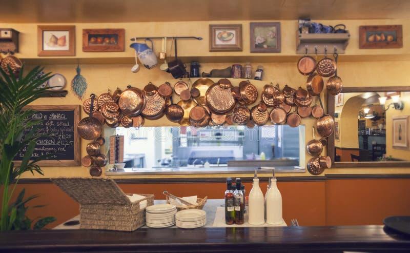 Detalle del interior del café italiano imagenes de archivo