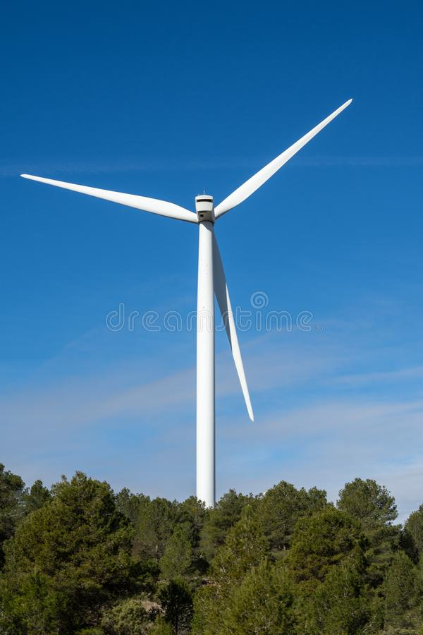Detalle del molino de viento en bosque imágenes de archivo libres de regalías