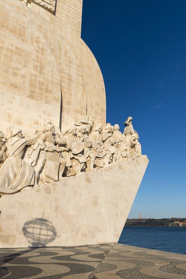 Detalle del monumento del DOS Descobrimentos y pavimento portugués de Padrao de los descubrimientos en Belem, Lisboa fotos de archivo libres de regalías
