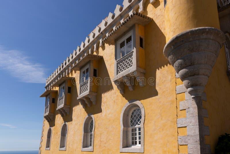 Detalle del palacio nacional de Pena y de x28; Palacio Nacional DA Pena& x29; - Palacio del Romanticist en Sintra fotos de archivo libres de regalías