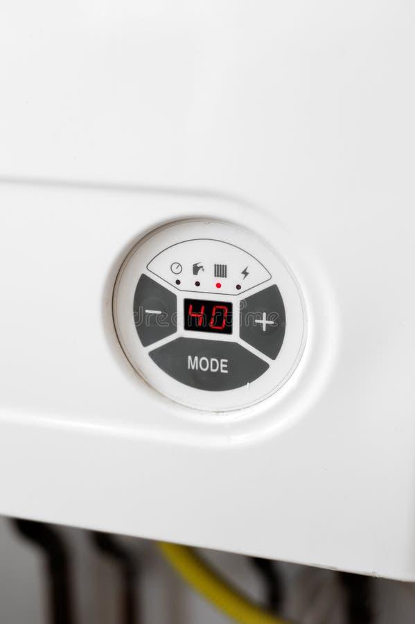 Detalle del panel de control de la caldera de gas de la calefacción imagen de archivo
