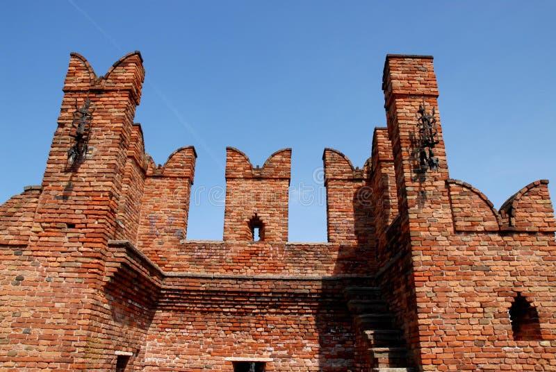 Detalle del puente del castillo en Verona fotografía de archivo