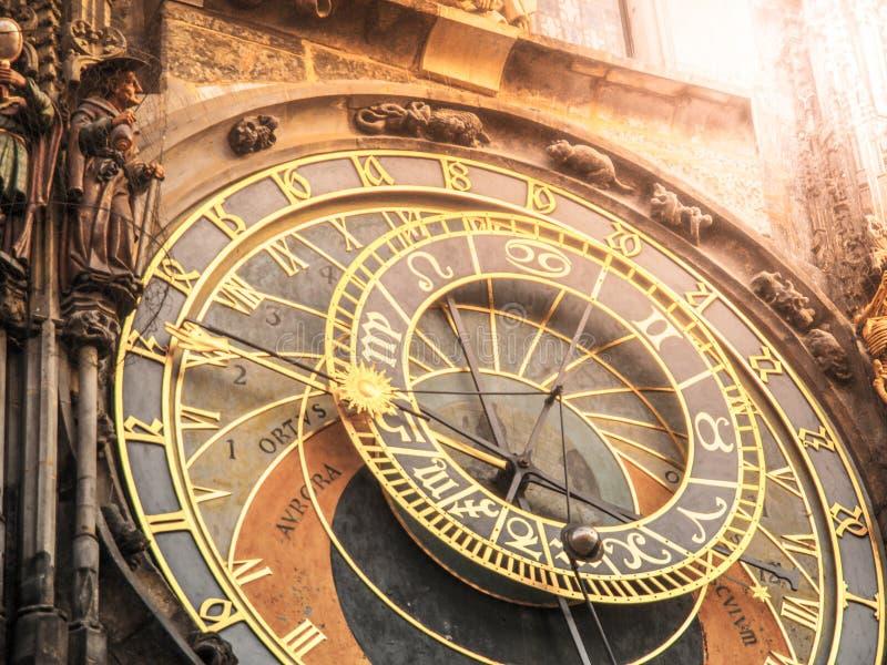 Detalle del reloj astronómico de Praga, Orloj, en la vieja plaza, Praga, República Checa imágenes de archivo libres de regalías