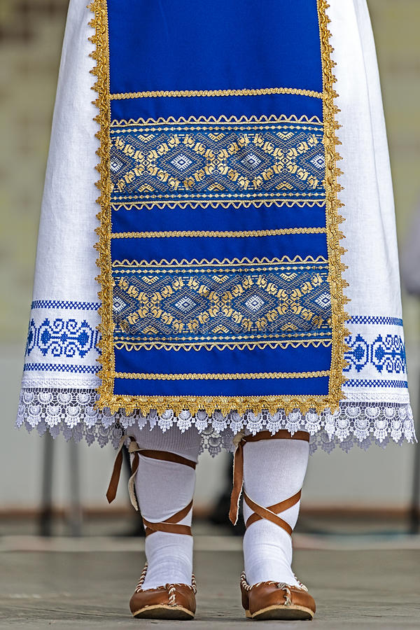 Detalle del traje popular rumano tradicional del área de Banat, ROM fotografía de archivo libre de regalías