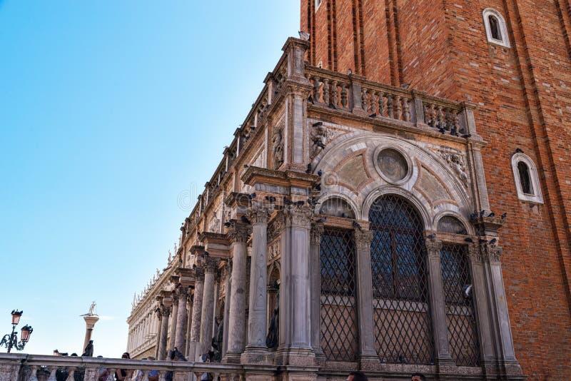 Detalle el campanario de la basílica del ` s de St Mark localizada fotos de archivo libres de regalías