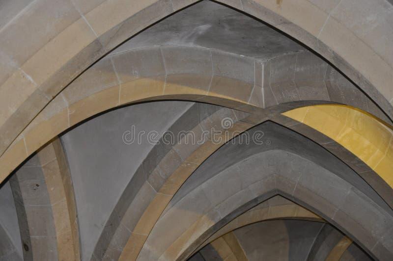 Detalle gótico de la arquitectura del techo interior fotografía de archivo libre de regalías