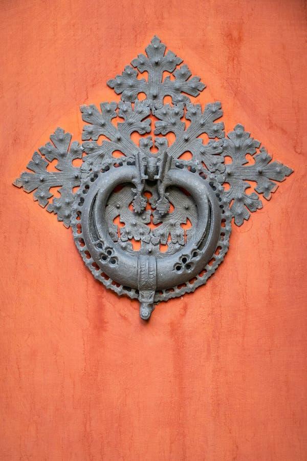 Detalle medieval de la puerta foto de archivo libre de regalías