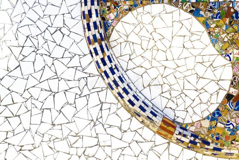 Detalle modernista del mosaico de una arquitectura de Barcelona imagen de archivo