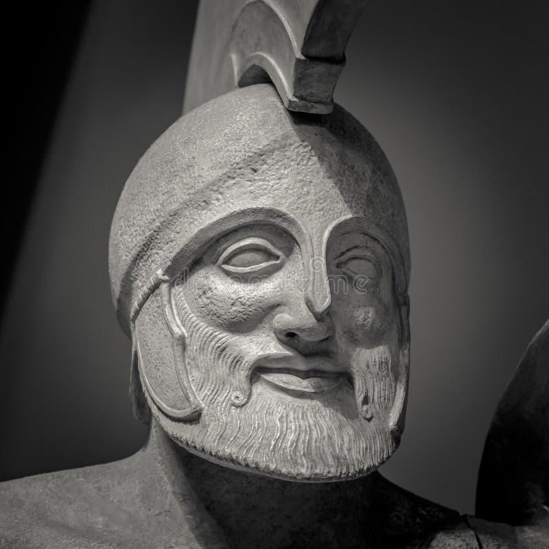 Download Detalle Principal Y De Los Hombros De La Escultura Antigua Foto de archivo editorial - Imagen de hombre, michel: 100528598