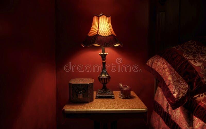 Detalle rojo barroco del dormitorio imágenes de archivo libres de regalías
