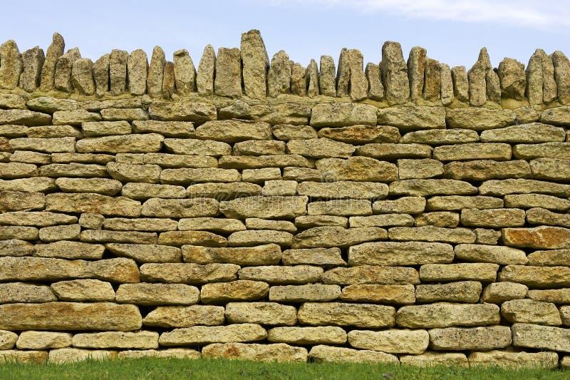 Detalle seco de la pared de piedra fotos de archivo