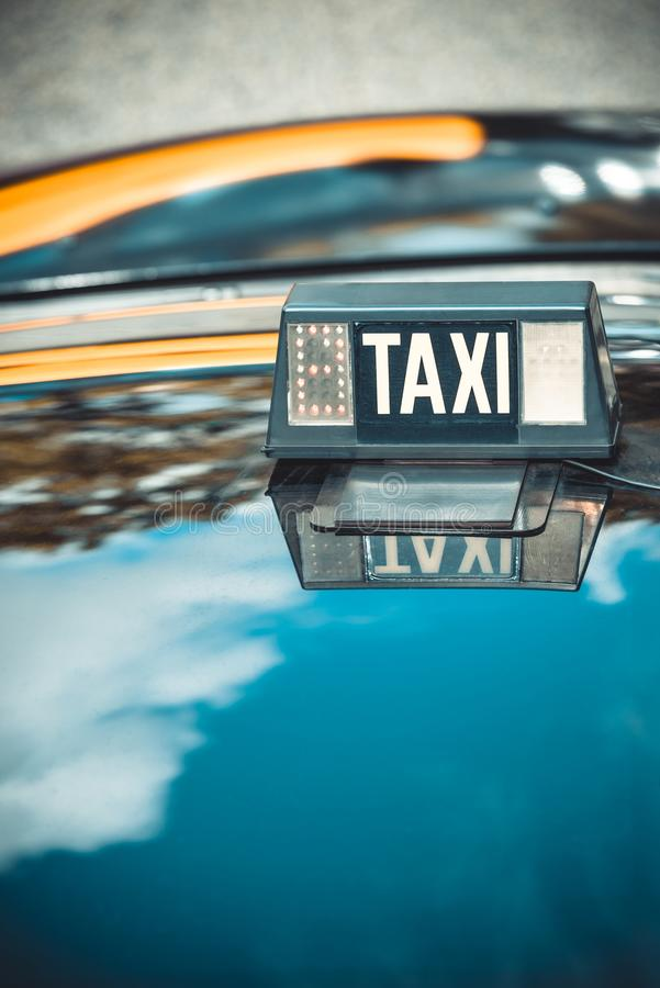 Detalle vacante del taxi imagenes de archivo