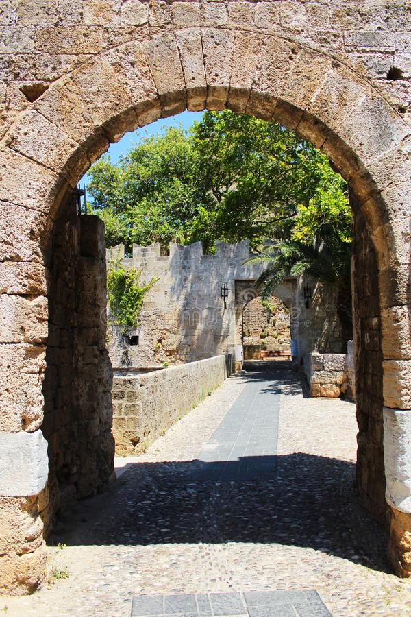 Detalles arquitectónicos en la ciudad vieja, Rhodes Island, Grecia foto de archivo