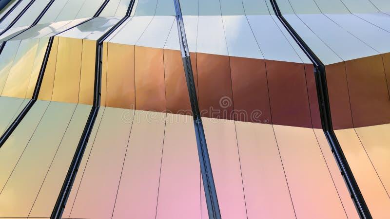 Detalles de la arquitectura de la fachada del diseño moderno imagen de archivo libre de regalías