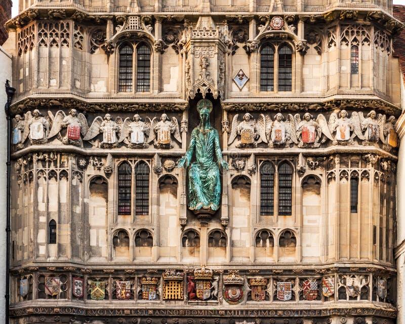 Detalles de la arquitectura de la puerta de la entrada a la cátedra de Cantorbery imagen de archivo