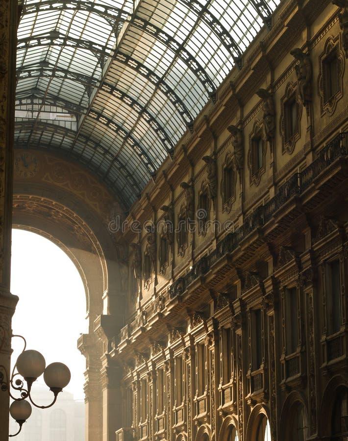 Detalles de la arquitectura de Vittorio Emanuele Gallery fotografía de archivo libre de regalías
