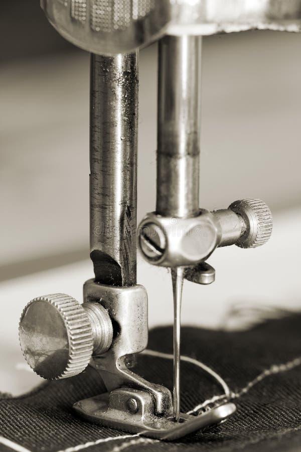 Detalles de la coser-máquina fotografía de archivo libre de regalías