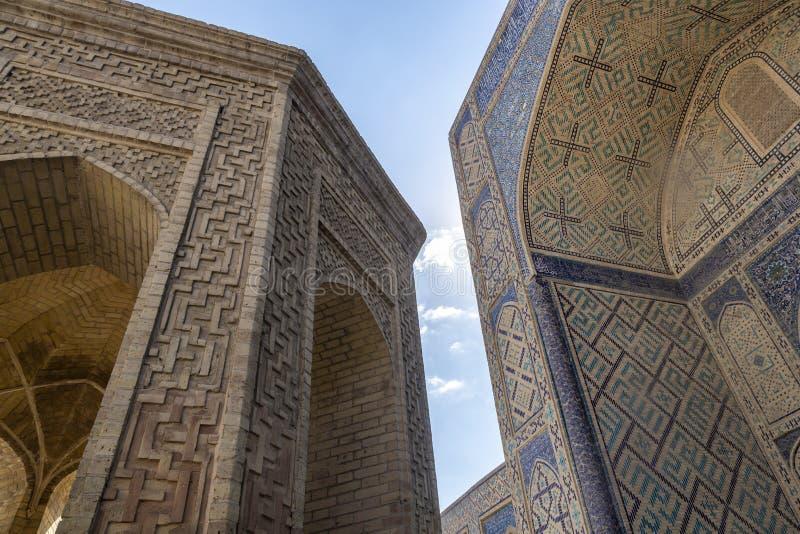 Detalles del edificio La mezquita Kalyan Uno de la mezquita más vieja y más grande de Asia Central Mezquita principal de la cated fotos de archivo libres de regalías
