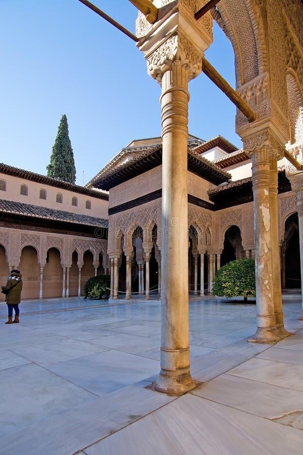 Detalles del interior de Alhambra fotos de archivo
