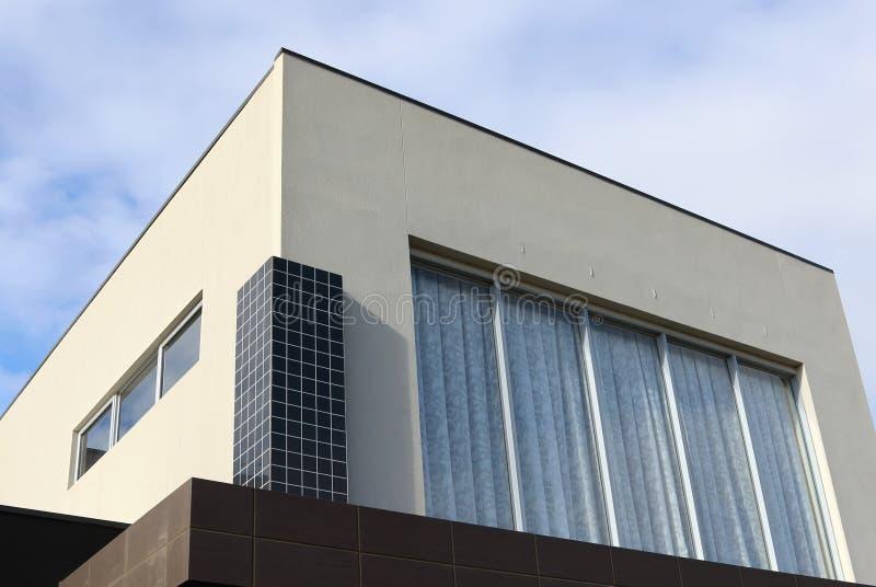Detalles modernos del exterior de la arquitectura fotos de archivo
