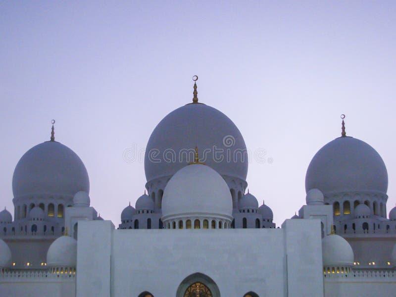 Detalles y arquitectura hermosos de Abu Dhabi Sheik Zayed Mosque imagenes de archivo
