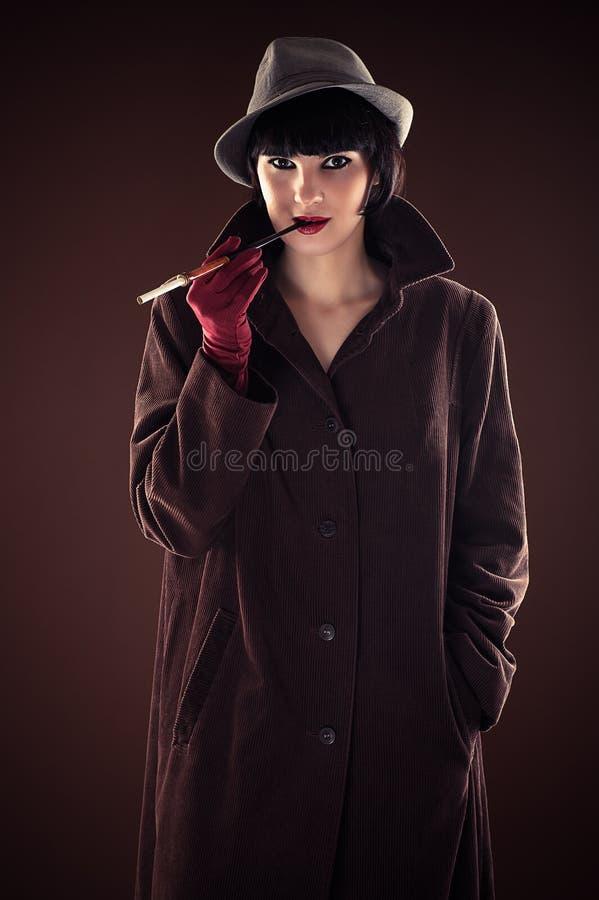 Detective hermoso de la mujer de moda imágenes de archivo libres de regalías