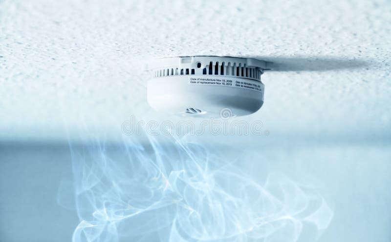 detektoru dym zdjęcia royalty free