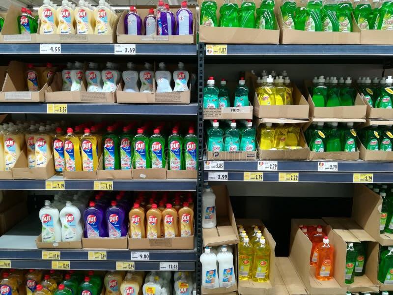 Detergentes da limpeza para a cozinha imagem de stock royalty free