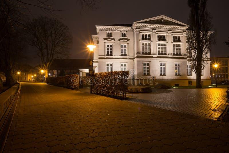 detmoldTyskland historisk stad i aftonen royaltyfri fotografi