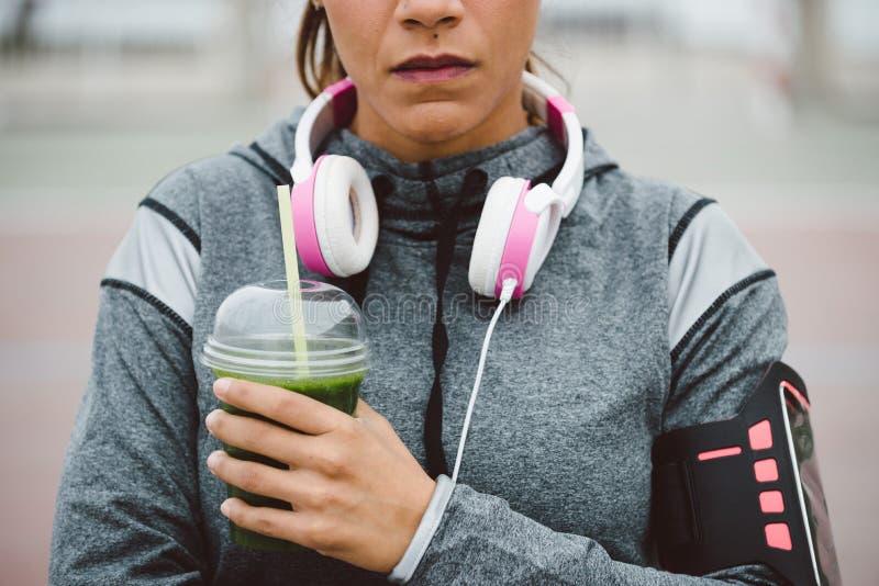 Detox smoothie voor gezonde geschiktheidsvoeding stock foto's