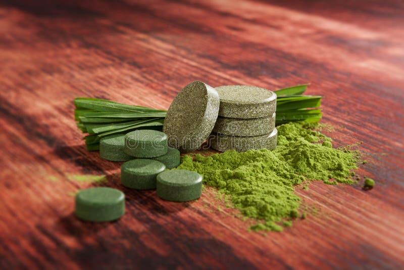detoxification alternatywna wanny bambusa biloba rzeczy ginkgo leków, tray w spa zdjęcie royalty free