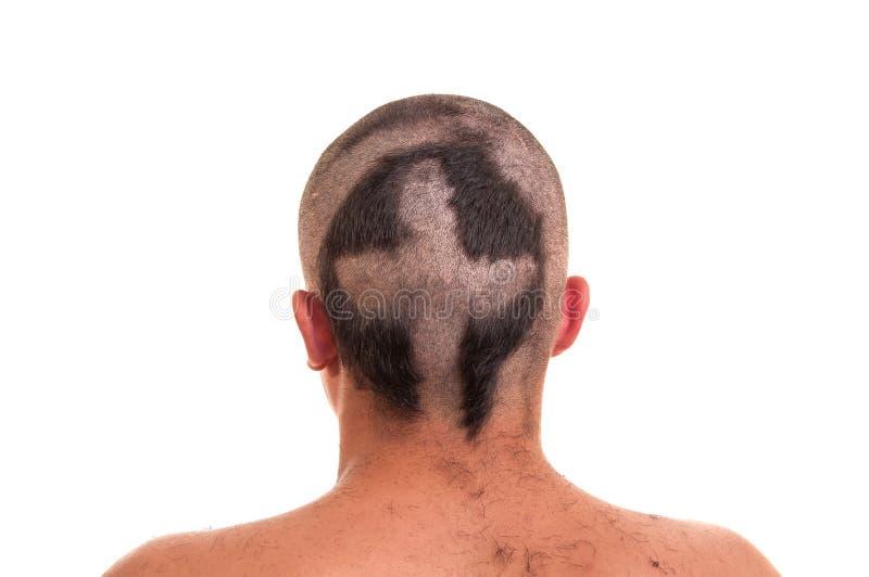 Detrás de la cabeza del hombre con corte de pelo divertido aislada en w fotografía de archivo