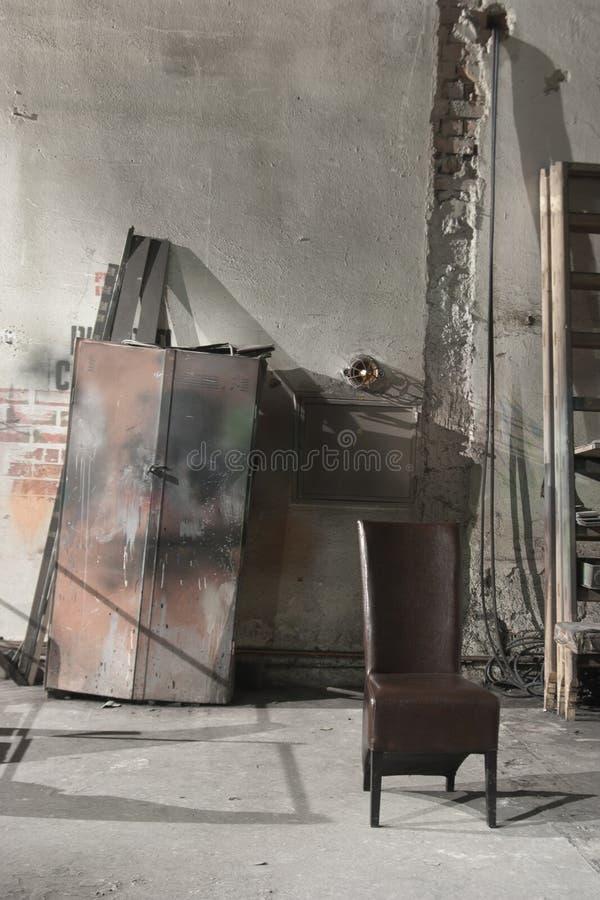 Detrás de la escena dentro de un cuarto del teatro foto de archivo