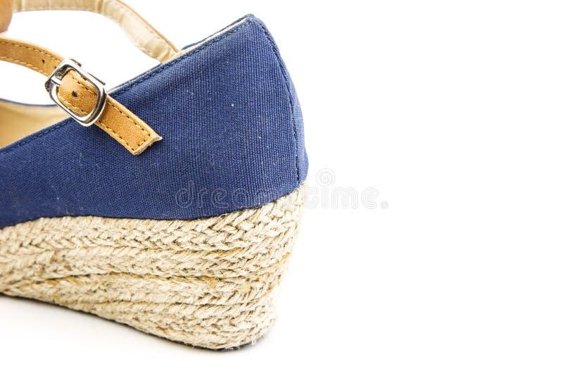 Detrás de un zapato azul casual foto de archivo libre de regalías