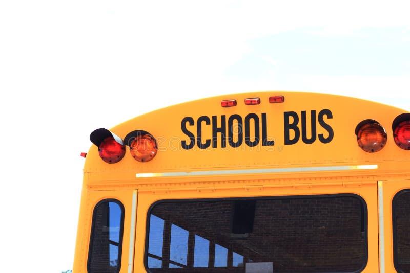 Detrás del autobús escolar fotos de archivo