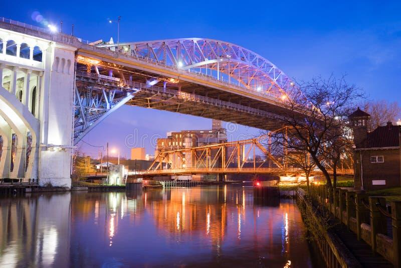 Detroit†'przełożonego Cuyahoga Bridżowa rzeka w Cleveland, Ohio zdjęcie stock