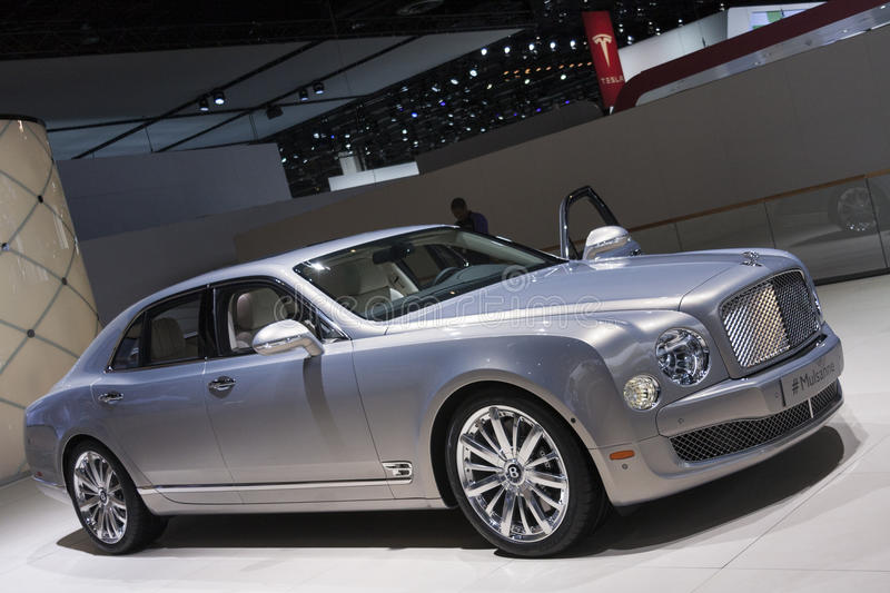 DETROIT - JANUARY 26 :The new 2015 Bentley Mulsanne at The North. American International Auto Show January 26, 2014 in Detroit, Michigan royalty free stock images