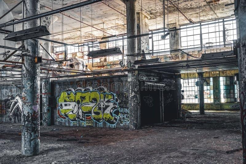 Detroit Michigan, Förenta staterna - Oktober 18 2018: Sikt av den övergav Fisher Body Plant i Detroit Fisher Body royaltyfria foton